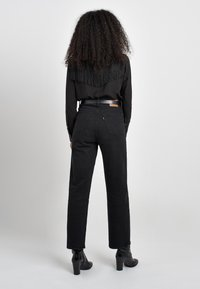 Levi's® - RIBCAGE STRAIGHT ANKLE - Straight leg jeans - black heart
