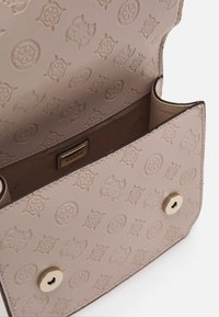 Guess - NOELLE MINI CROSSBODY FLAP - Across body bag - blush - 2