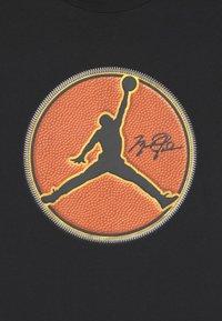 Jordan - JUMPMAN B-BALL - Print T-shirt - black - 2