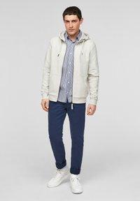 s.Oliver - FELPA - Zip-up sweatshirt - cream - 1