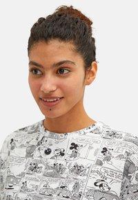 LC Waikiki - MICKEY MOUSE - Print T-shirt - white - 1