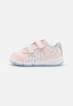 STEPFLEEX 2 SL VE ROAR - Sports shoes - lotus/white
