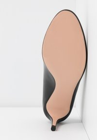 HUGO - ALLISON  - Classic heels - black - 6