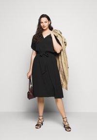 Selected Femme Curve - SLFENNA DRESS - Vapaa-ajan mekko - black - 0