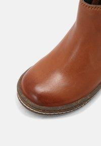 Friboo - LEATHER BOOTIES - Kotníkové boty - cognac - 4