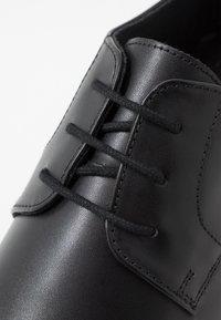 Jacamo - FORMAL DERBY - Business sko - black - 5