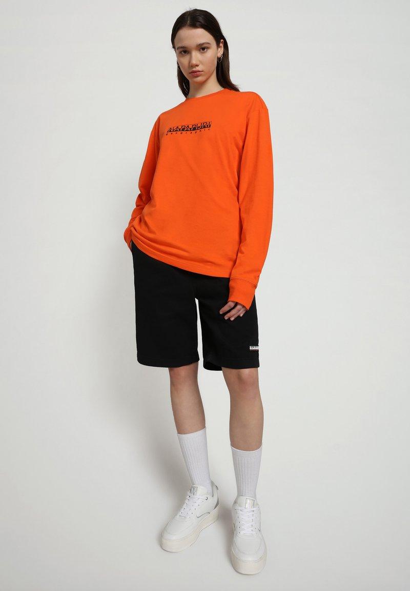 Napapijri - Shorts - black