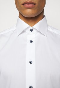 Eton - CONTEMPORARY FINE STRIPES WEAVE  - Formal shirt - white - 4