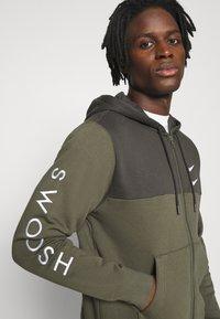 Nike Sportswear - HOODIE - Mikina na zip - twilight marsh/white - 4