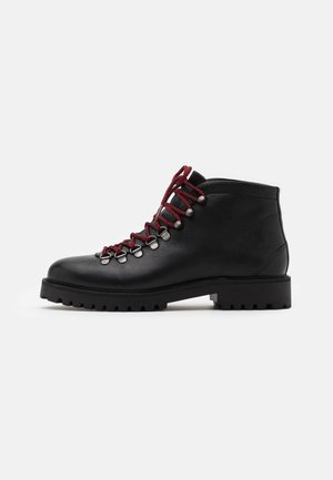 SEAN LOW HIKER - Lace-up ankle boots - thunder black