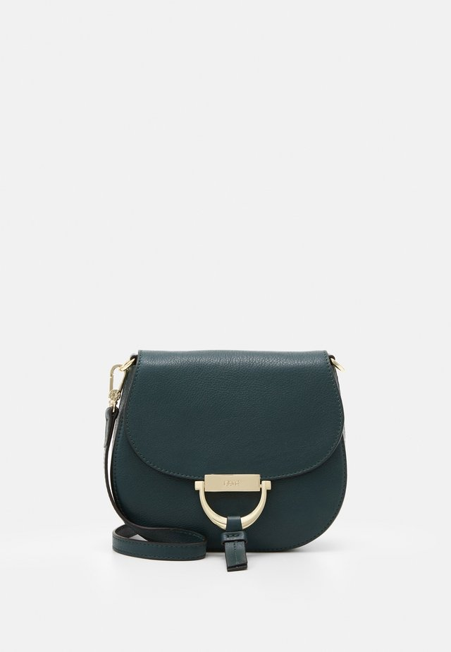 TEMI SMALL - Taška spříčným popruhem - pixie green