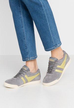 HARRIER - Sneakersy niskie - ash/citron