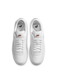 Nike Sportswear - COURT VINTAGE  - Trainers - white/total orange/black - 1