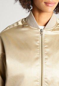 Urban Classics - Bomber Jacket - gold - 3