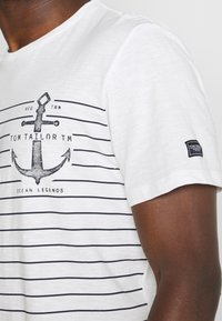 TOM TAILOR - PRINTED HARBOUR STRIPE - Print T-shirt - off white - 4