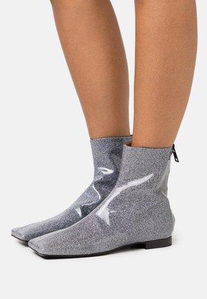 TRONCHETTO DONNA WOMANS BOOT - Nilkkurit - grey
