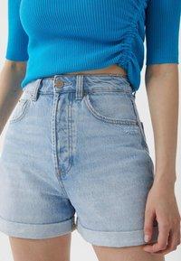 Stradivarius - MOM-FIT - Denim shorts - dark blue - 3