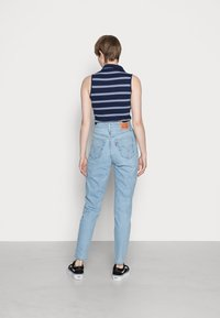Levi's® - HIGH WAISTED MOM JEAN - Jeans Tapered Fit - light-blue - 2