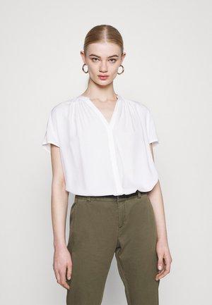 ONLSILLE - Print T-shirt - cloud dancer