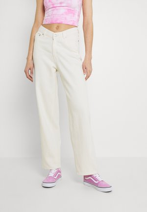 LARA WAIST TROUSERS - Jeans relaxed fit - white