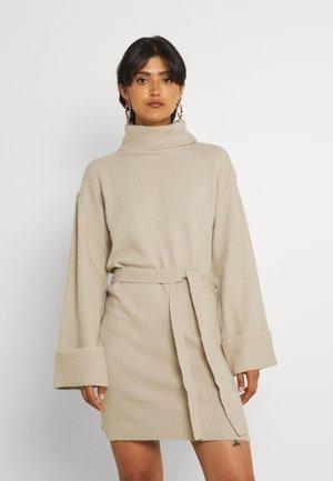 VIROLFIE TIE BELT DRESS - Jumper dress - natural melange