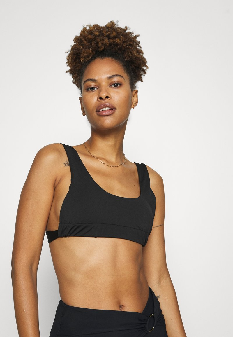 We Are We Wear - TAYLOR RUCHED SIDE - Bikini top - black