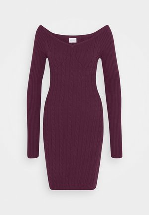 CARE CABLE MINI DRESS WITH LONG SLEEVES AND VNECK - Strikket kjole - plum purple