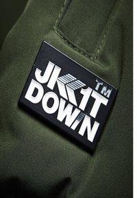 JACK1T - RESCUE  - Gewatteerde jas - green - 3
