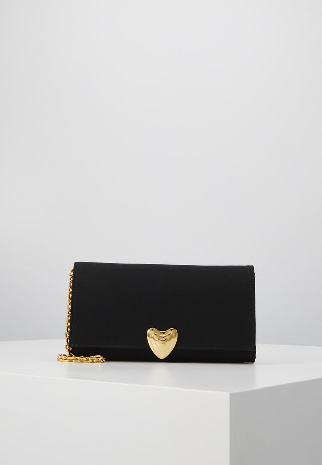 HEART CLUTCH - Handväska - black