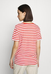 Scotch & Soda - EASY STRIPE TEE WITH CHEST EMBROIDERY - Triko s potiskem - combo - 2
