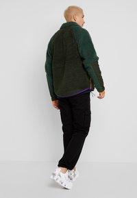 Nike Sportswear - WINTER - Let jakke / Sommerjakker - sequoia/galactic jade/kumquat - 2