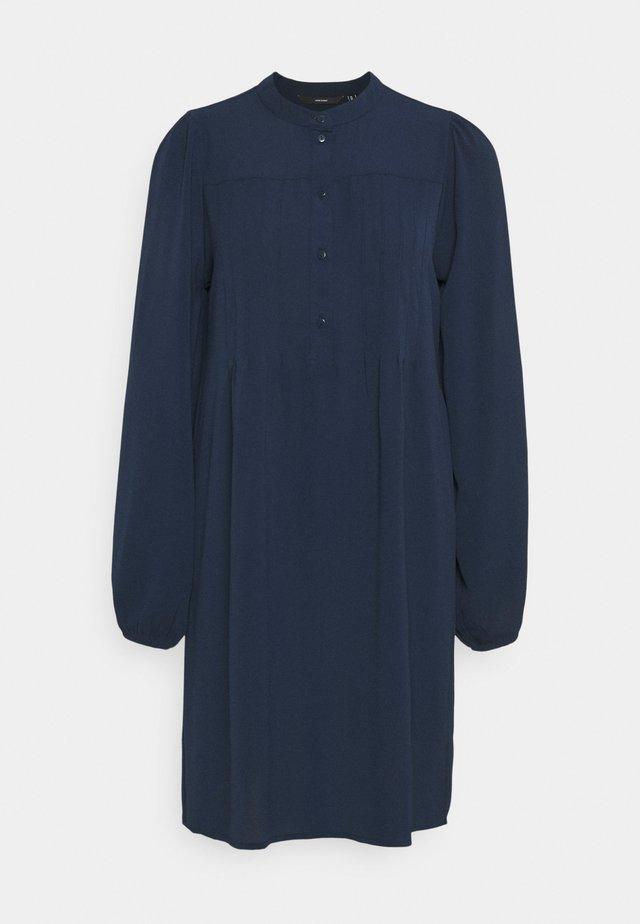 VMSAGA PLEAT SHORT DRESS - Blousejurk - navy blazer