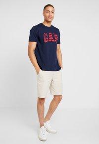 GAP - Shorts - natural - 1