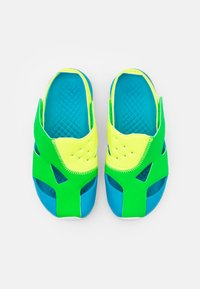 Jordan - FLARE UNISEX - Basketball shoes - green spark/persian violet/volt/laser blue/white - 3