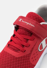 Champion - LOW CUT SHOE BOLD UNISEX - Sports shoes - red - 5