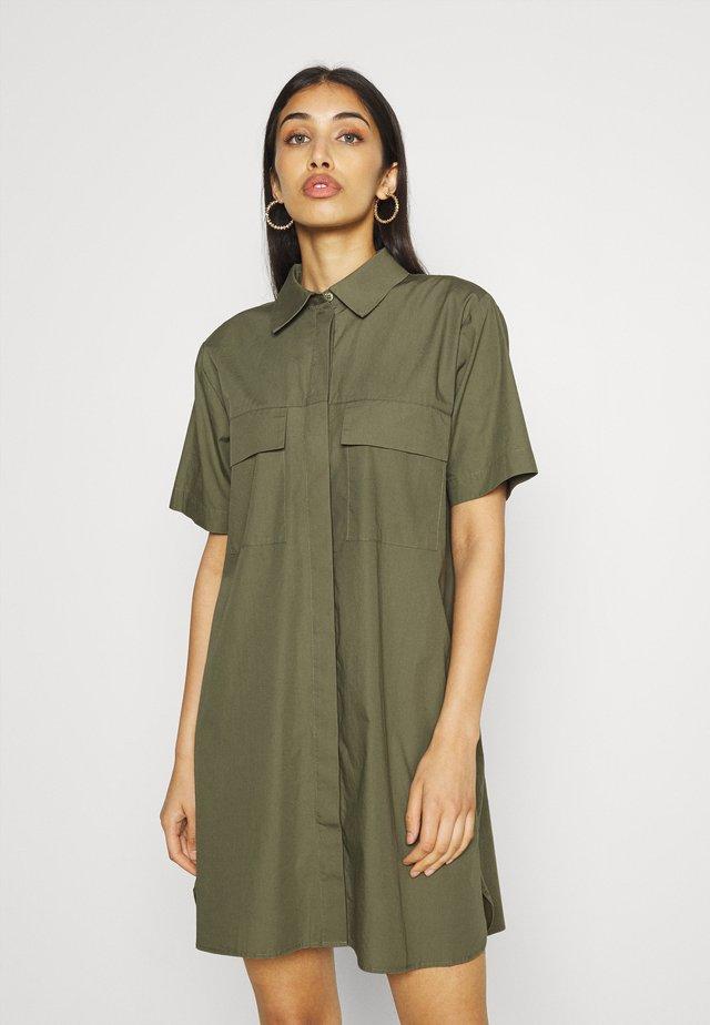 DRESS - Sukienka koszulowa - deep lichen green