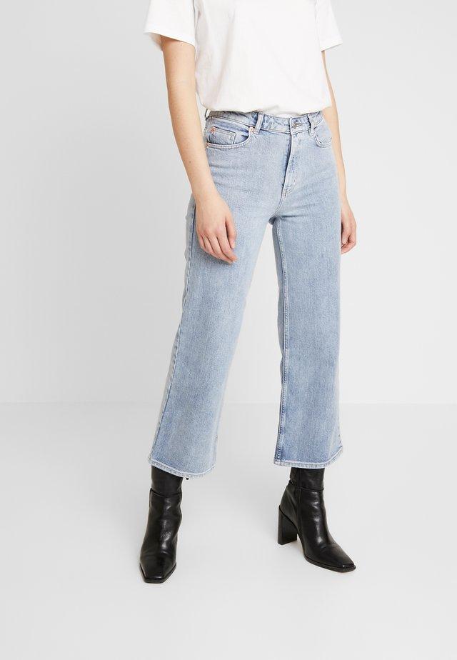 DORIS - Jeansy Straight Leg - light blue