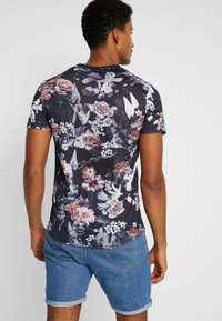 Pier One - T-shirt con stampa - multicoloured - 2