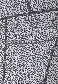 Cotton On Body - LOVE YOU A LATTE 7/8 - Leggings - black - 5