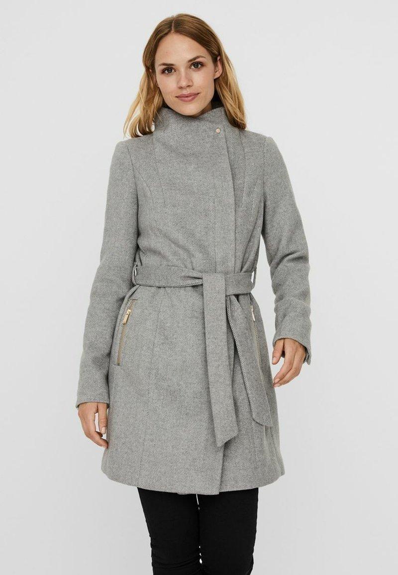 Vero Moda - Trenchcoat - light grey melange
