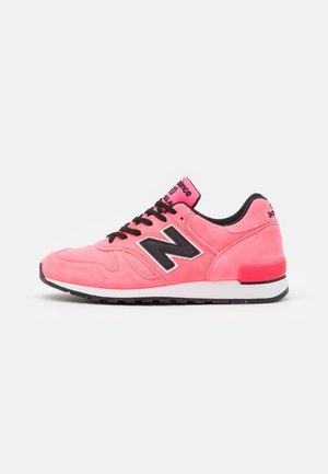 M670 - Zapatillas - neon pink