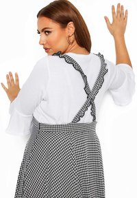 Yours Clothing - GINGHAM  - A-line skirt - black - 3