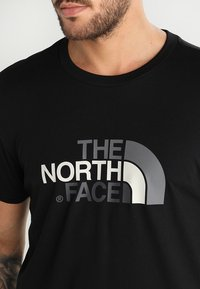 The North Face - M S/S EASY TEE - EU - Print T-shirt - black - 6
