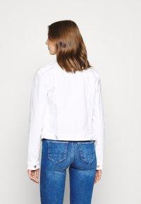 Tommy Jeans - VIVIANNE SLIM TRUCKER  - Denim jacket - white - 2
