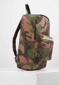 Jack & Jones Junior - JACCHAD BACKPACK - Reppu - forest night - 4