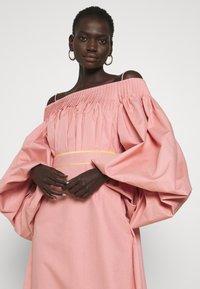 Roksanda - UYUNI DRESS - Denní šaty - blush - 3