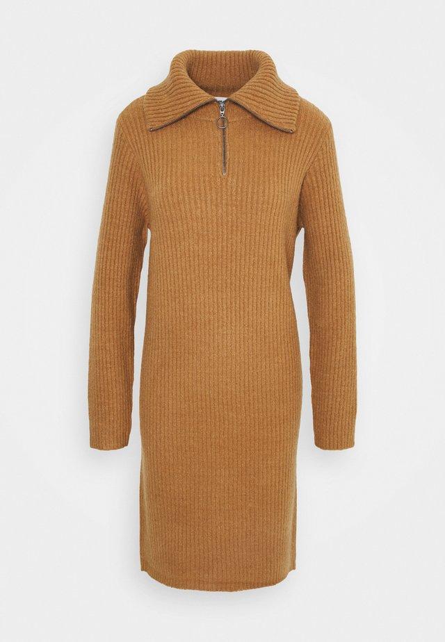 OBJRACHEL - Gebreide jurk - chipmunk