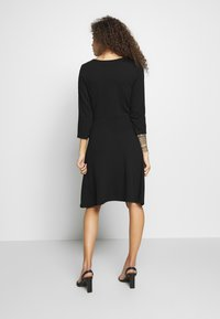Anna Field Petite - DRESS FIT&FLARE - Jersey dress - black - 2