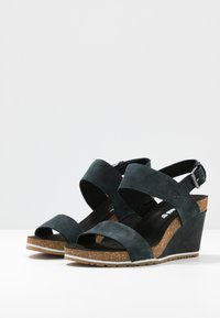 Timberland - CAPRI SUNSET WEDGE - Platform sandals - black - 4