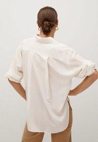 Mango - MADE - Button-down blouse - cremeweiß - 2
